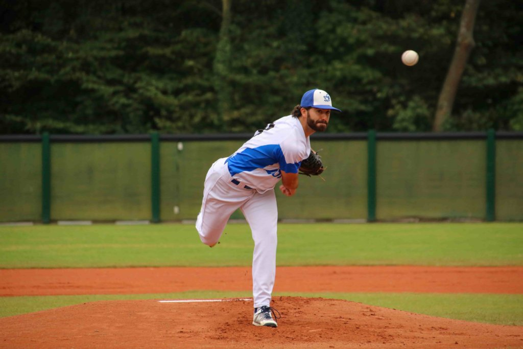 A Team Israel pitcher in its victory against France in the European Championships. Photo by Margo Sugarman.